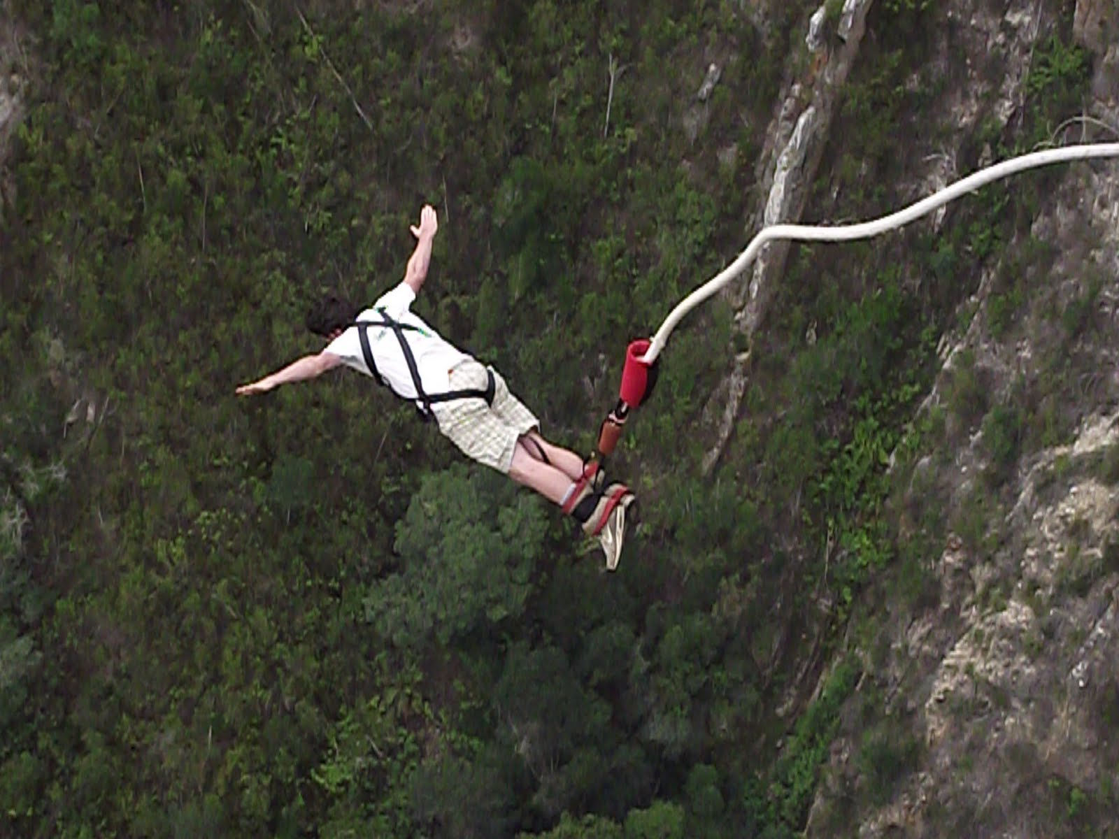 Top 3 Best Bungee Jumping Locations In France