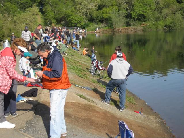 Best fishing spots in san francisco travel tips for Bon tempe lake fishing