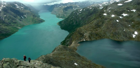 Best Hiking Spots Tourists Need To Know In Norway