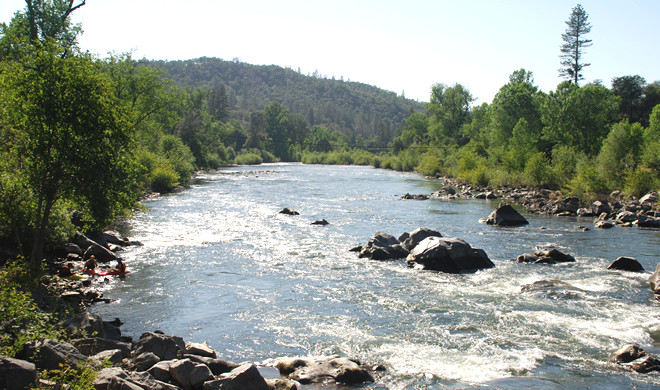 Best 8 white water rafting spots in usa travel tips for Fishing spots in sacramento