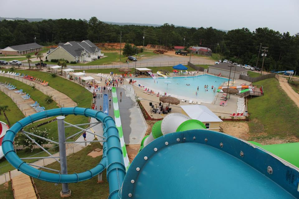 Grand Paradise Water Park – Collins, Mississippi
