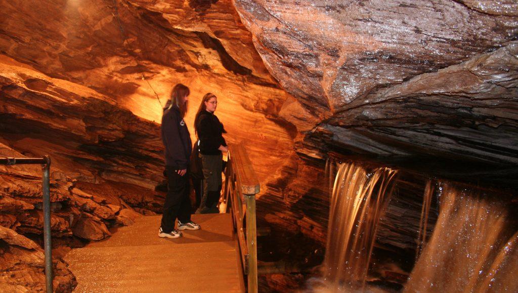 Grønligrotta Caves