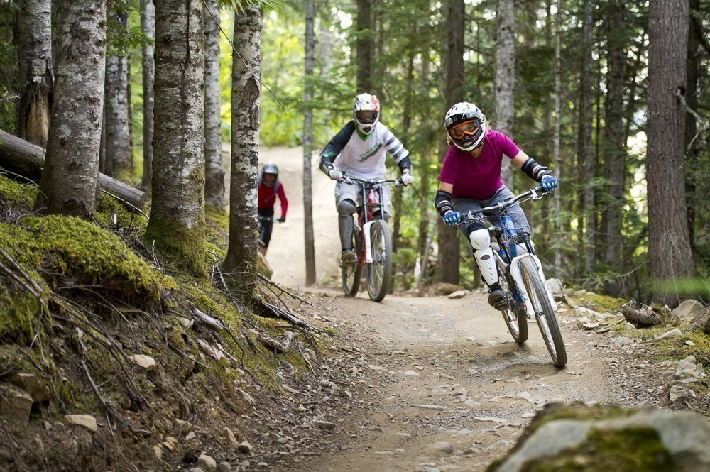 mountain-biking-in-whistler-canada